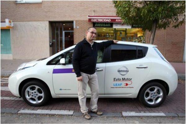 Entrevista a Roberto San José, el primer taxista eléctrico de España