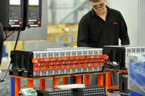Nissan invierte en sus baterías para coches eléctricos