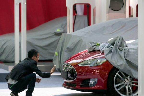 El precio del Model 3 de Tesla será más bajo de lo esperado