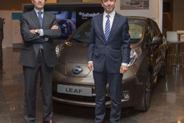 Colaboración entre Banco Sabadell y Nissan para impulsar el vehículo eléctrico