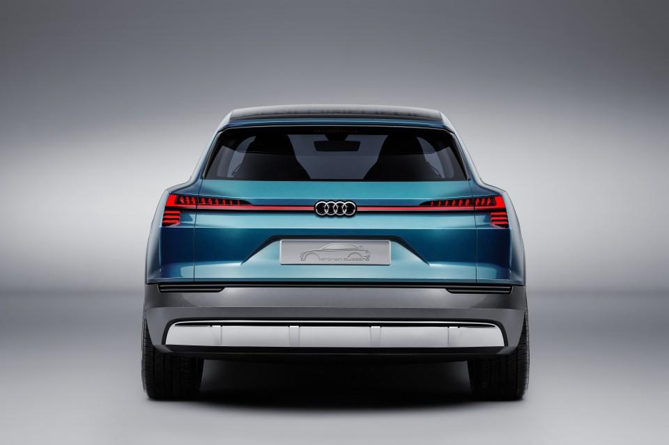 Foto Audi E-tron Quatro
