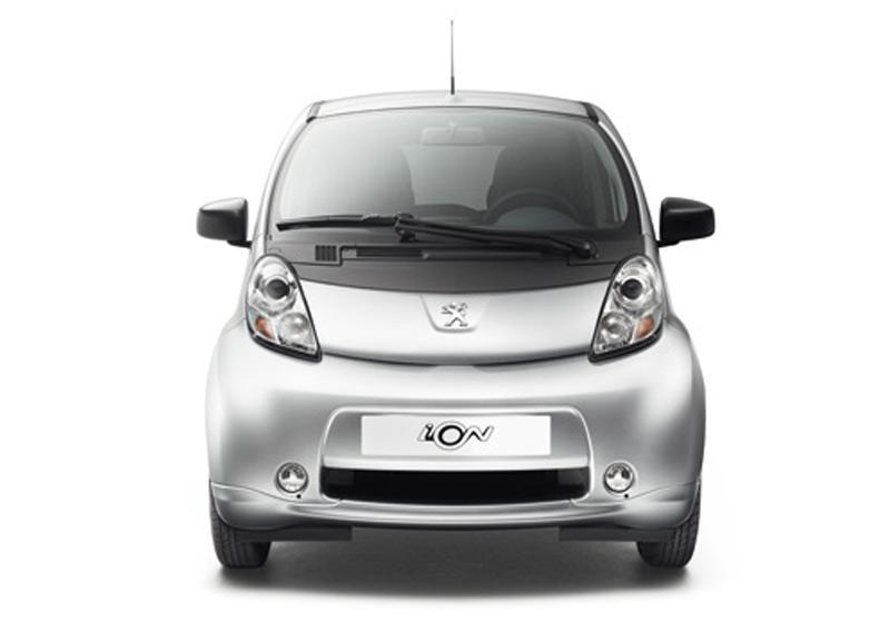 Foto Peugeot iOn 66 5p Aut.
