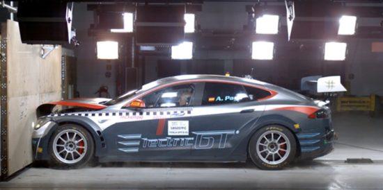 El Tesla Model S de Electric GT ya es apto para competir