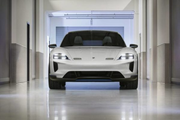 Porsche Mission E Cross Turismo, rápido y aventurero