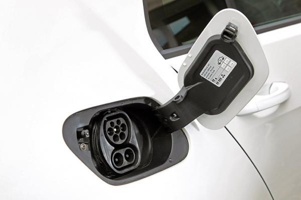 A partir de 2040 no se podrán vender vehículos de combustión en España