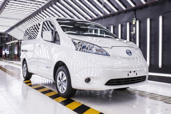 Ya se han entregado las primeras unidades de la Nissan e-NV200 40 kWh