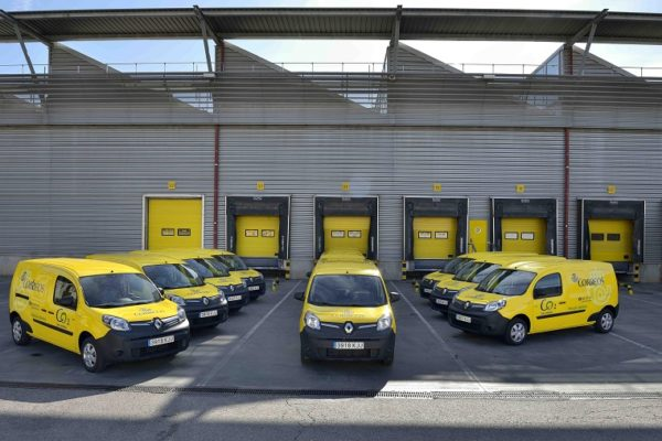 Correos adquiere 42 Renault eléctricos