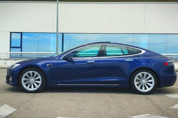 Tesla se pica con Porsche