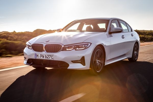 El nuevo BMW 330e llega hasta los 60 km de autonomía eléctrica