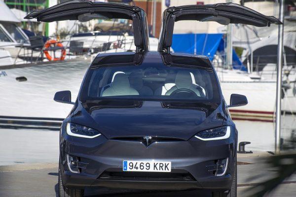 Tres de cada diez españoles compraría ahora un coche eléctrico
