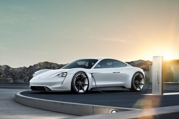 El Porsche Taycan acumula ya 20.000 reservas