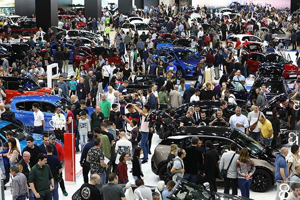 Gran afluencia de público en el primer fin de semana de Automobile Barcelona