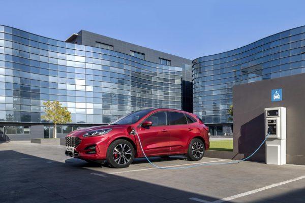 Ford ensamblará baterías de vehículos electrificados en Valencia