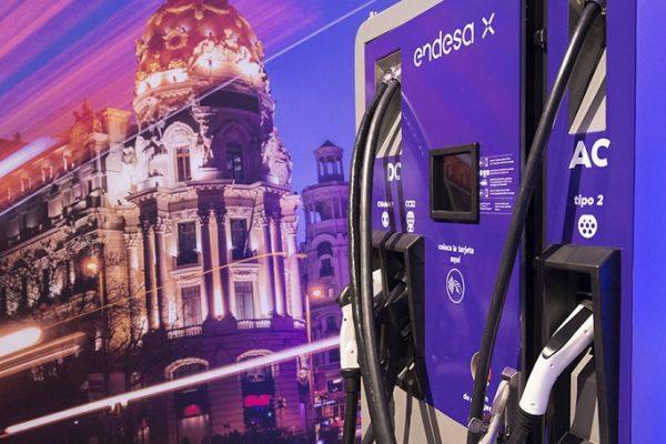 Endesa y Ballenoil se unen por la movilidad eléctrica