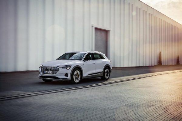 Audi e-tron 50 quattro, la versión de acceso