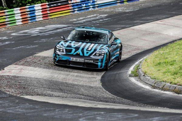 El Porsche Taycanmarca un nuevo récord en Nürburgring