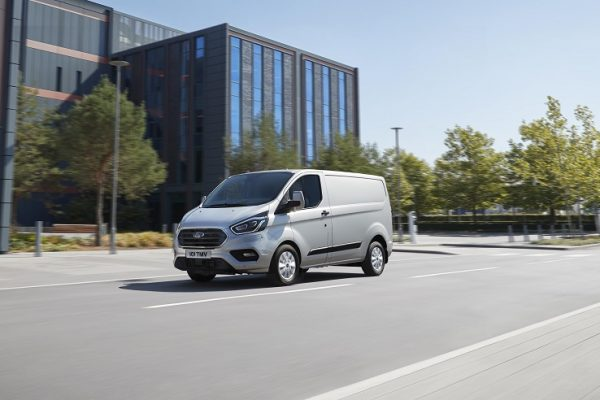 Ford presenta las Transit Custom y Tourneo Custom Plug-In Hybrid