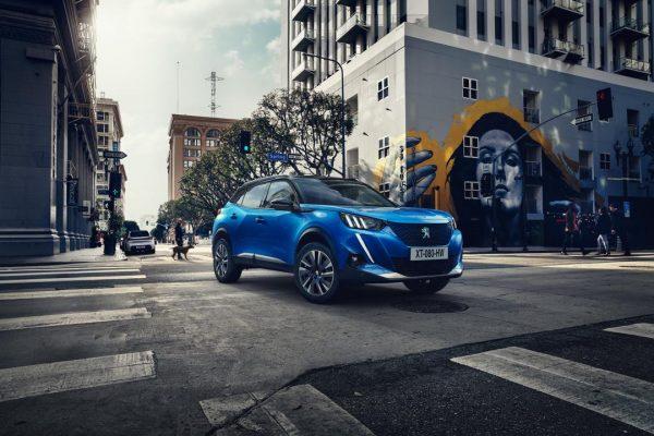 El nuevo Peugeot e-2008 tendrá una batería de 50kWh