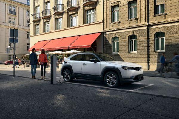 Mazda MX-30, el primer coche eléctrico de Mazda