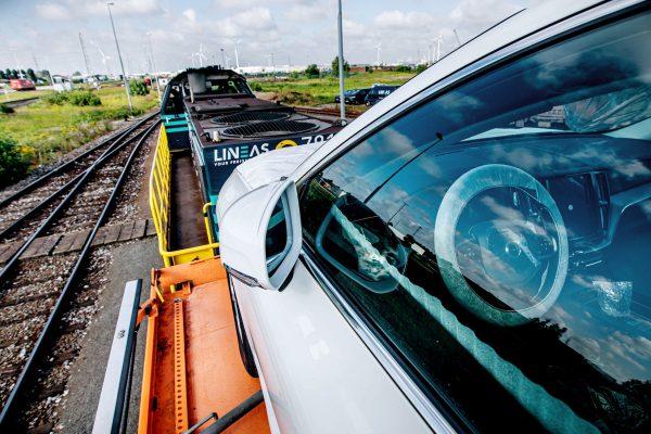 Volvo reduce sus emisiones también en su logística