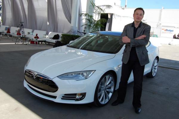 Tesla está considerando ceder su tecnología de forma gratuita a otros fabricantes