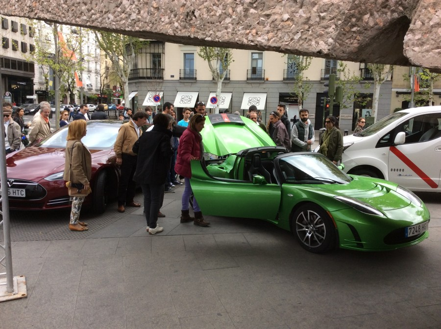 tesla_roadster&modelS