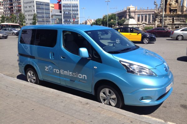 Primer contacto con la furgoneta e-NV200 de nissan