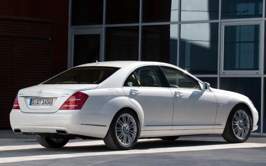 Mercedes-S400-Hybrid-2013-3