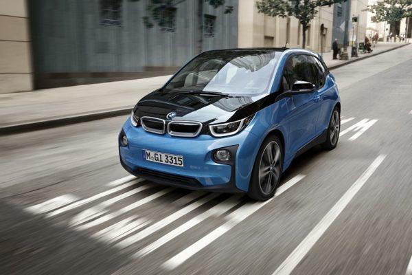 BMW presenta este verano su versión de 33kWh del i3
