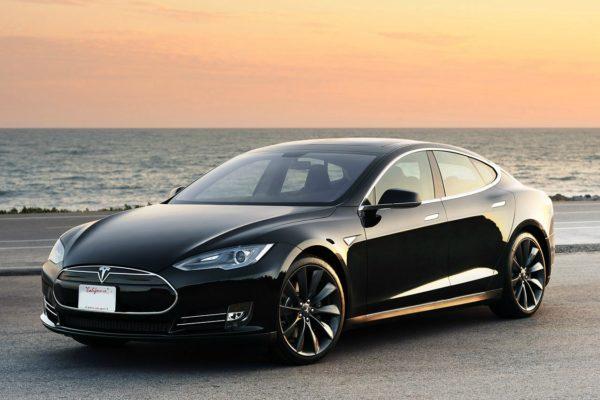 El Tesla Model S podrá recargar en CHAdeMO en EEUU