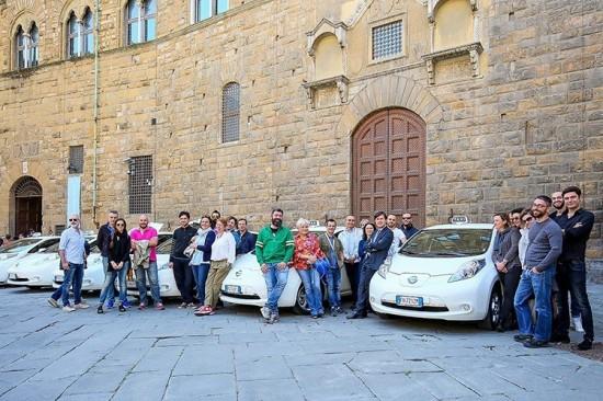 florencia-taxi-electrico-nissan-leaf
