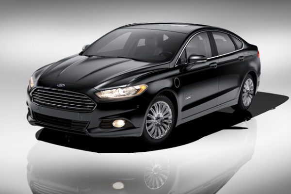 Ford se mide con Tesla