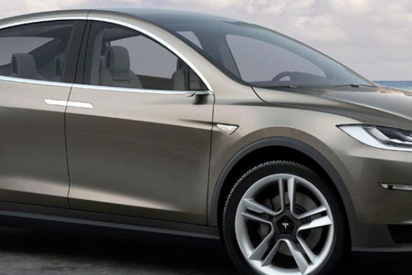 Tesla Motors anuncia el Model X para principios de 2015