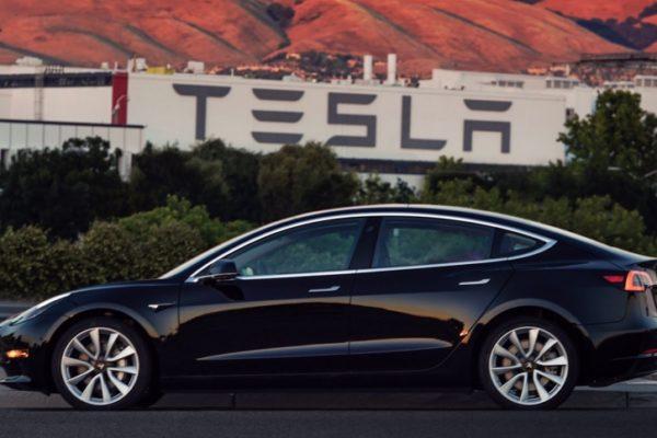 Tesla Model 3 Mid Range, no hay dos sin tres