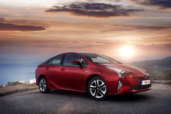 Toyota tendrá su vehículo eléctrico en 2020